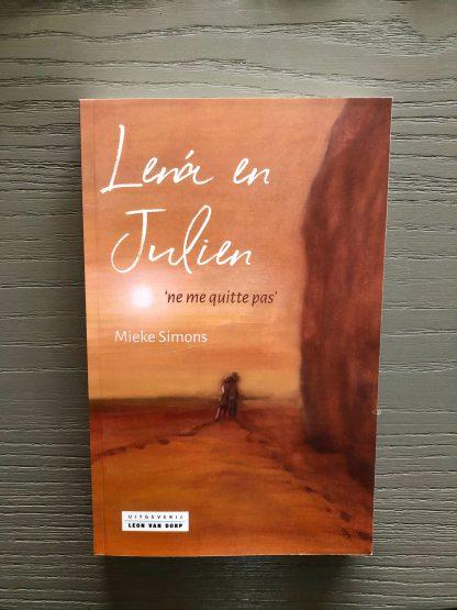 18. Mieke Simons - Lena en Julian cover